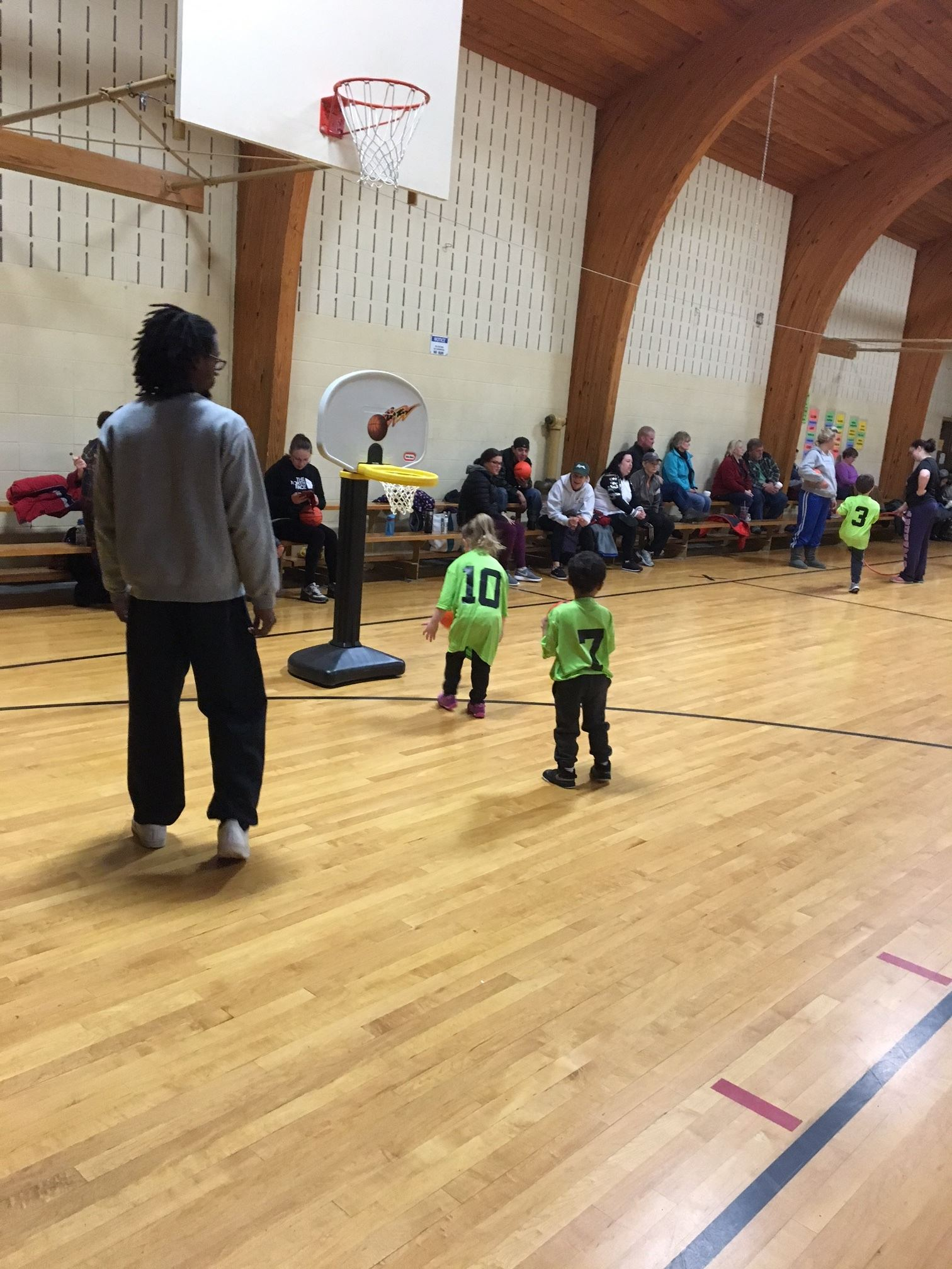 Preschool Parent Child Basketball game with small basketball courts